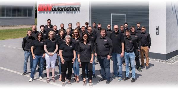 Ein Team aus Technikern und Ingenieuren