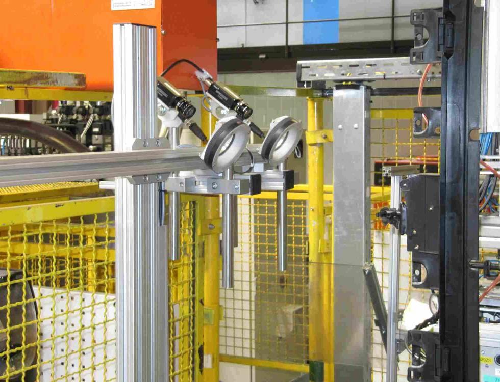 Visuelle Kontrolle in der Online Produktion: Automotive Molding Komponenten