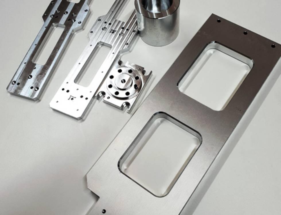 Montage von Komponenten und Support