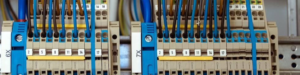 Vorinbetriebnahme und Einstellen von Sensoriken, Netzwerkadressen etc.