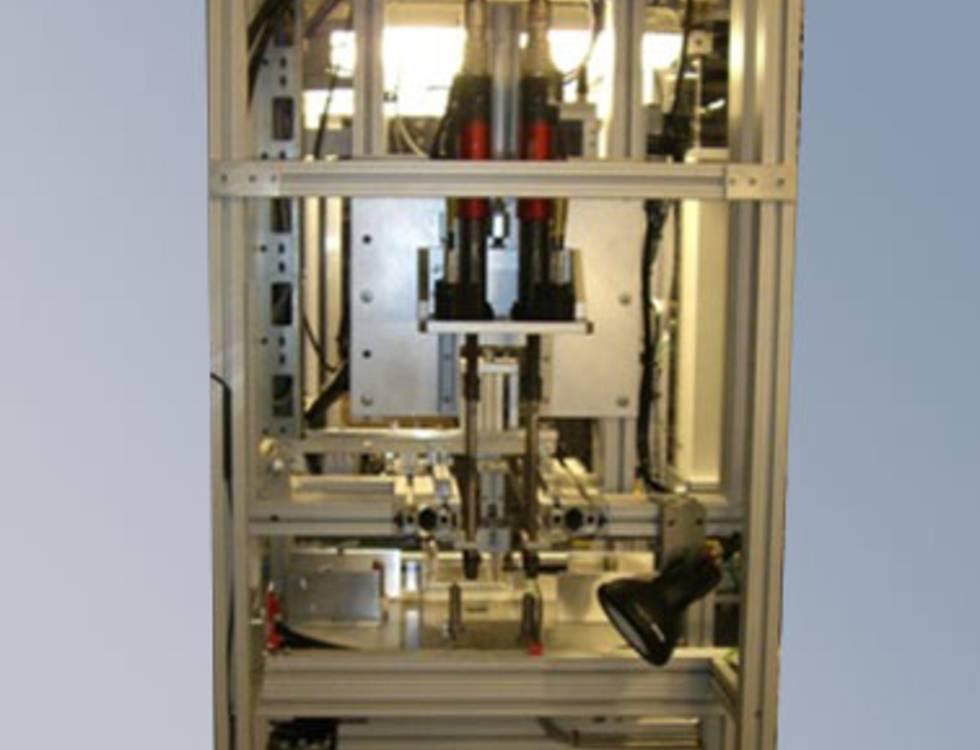 Halb- und vollautomatische Schrauberanlagen